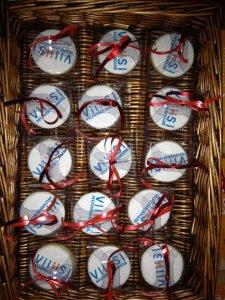 Üksikult pakitud logoga muffinid jõulukingituseks.